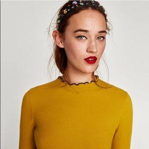 ❤️ZARA❤️ mustard ribbed high neck frill tee